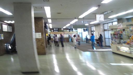 府中試験場_建物内の通路