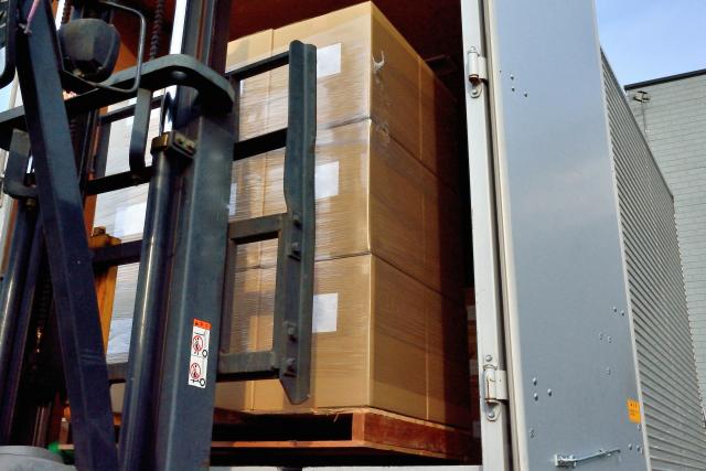 荷物積込運搬